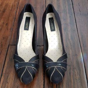 Black heels with snakeskin detail size 7.5